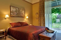 William Morris Luxury Suite